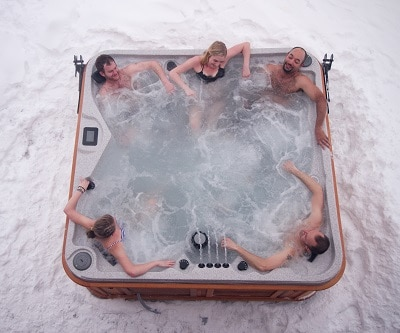 Advantages of Salt Water Hot Tubs and Portable Spas